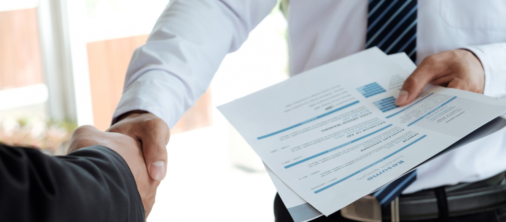 10 Expert Resume Tips You Need to Land the Interview | Glassdoor