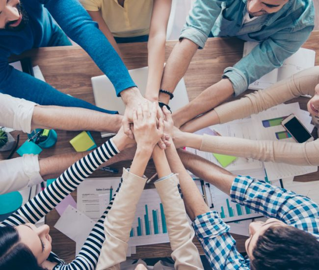 Corporate team building activities: tips to make them effective and engaging