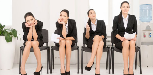 Non-verbal communication in the job interview